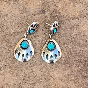 Quoc Turquoise Silver Claw Earrings
